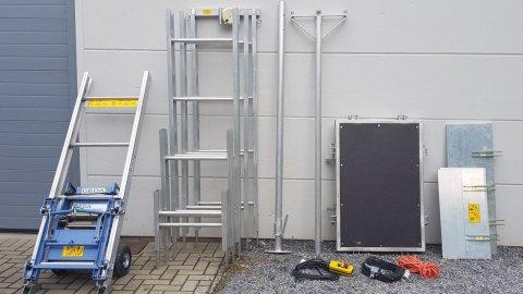 Self-assembly ladder lift