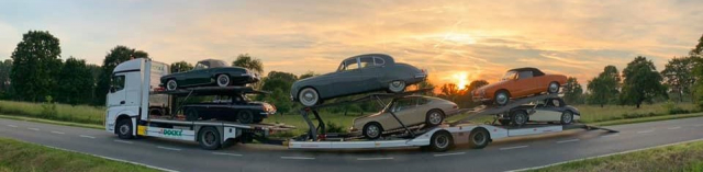 Transport Dockx classic cars with car transporter