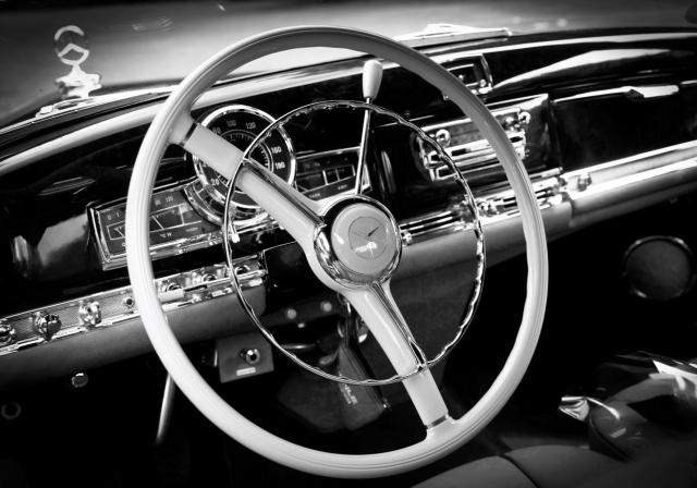 Intérieur voiture ancienne Dockx