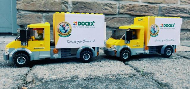 Dockx-camionnettes-lego