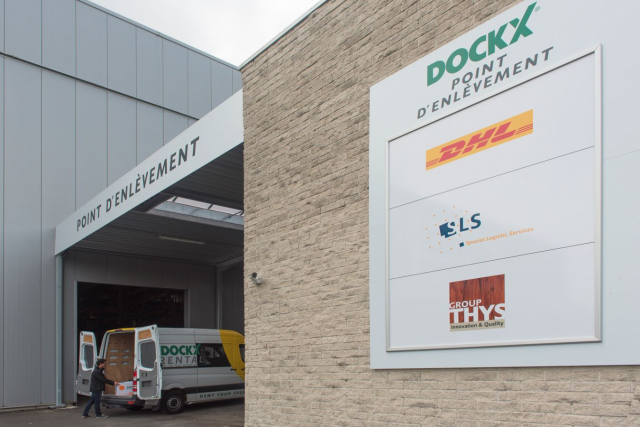 Pick up large parcels at a Dockx Pick-Up Point