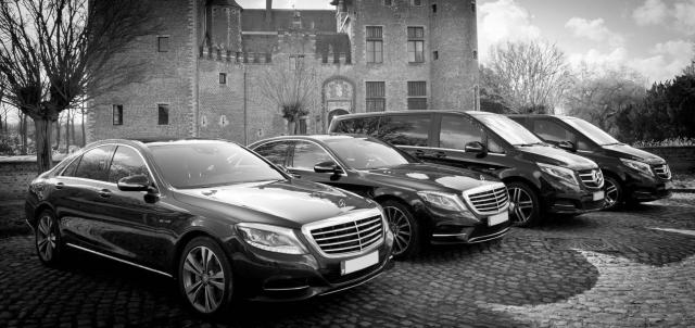 Transport pour mariage Dockx dans des minibus tendance et des berlines de luxe
