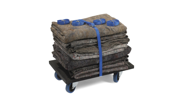 Rent a moving kit with moving blankets, moving straps, and a dolly from Dockx Rental